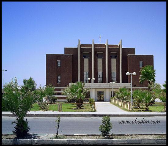 سینما نفت)سینما تاج(یکی از مجهزترین و بزرگترین سینماهای کشور در پیش از 1آغاز جنگ