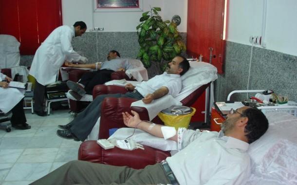 آبادانی ها در شب های قدر، خون اهدا کردند