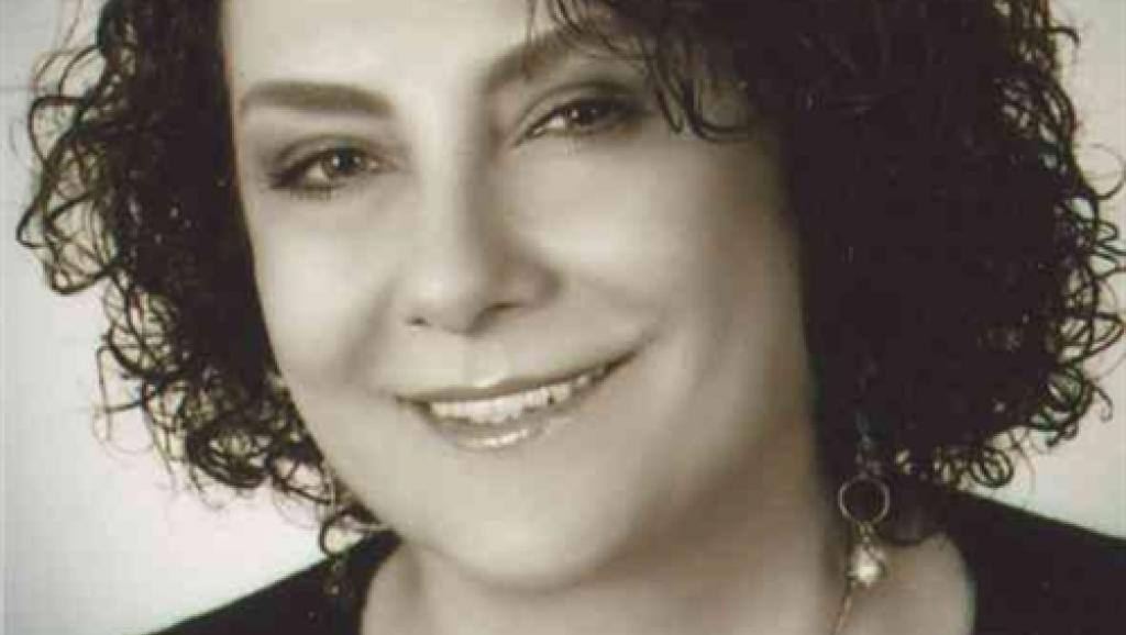بیوگرافی زویا پیرزاد،نویسنده و رمان نویس آبادانی