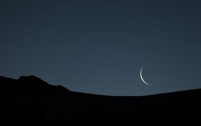 گروه رصد و استهلال آبادان به جستجوی هلال ماه